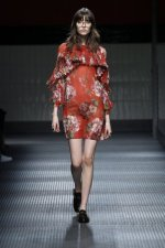 fwma01bf.19-fashion-week-mailand-h-w-15-16-gucci.jpg